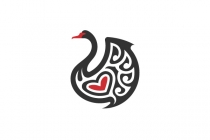 Black Swan Love Logo