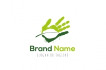 Nature In Hand Logo