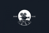 Moon Film Logo